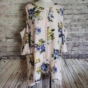 NWT Floral Cold Shoulder Blu Pepper Tunic